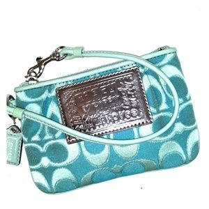 Rare Coach Poppy Signature Lurex Green Wristlet